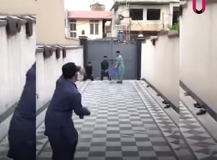 वीडियो : राशिद खान के बड़े भाई ने मचाई धूम, राशिद से भी ज्यादा गेंद को कराते हैं टर्न 2