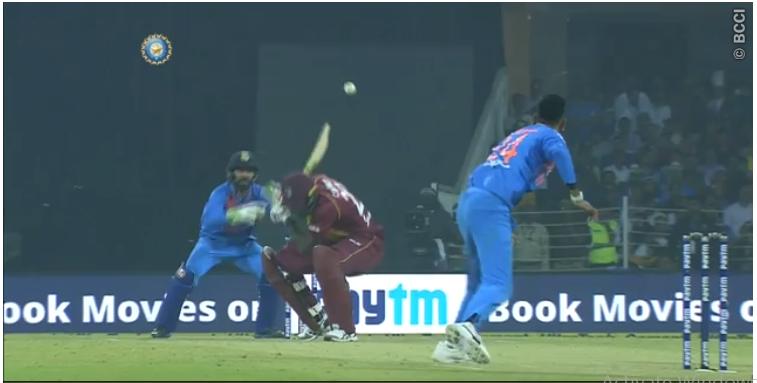 वीडियो: 12.4 ओवर में क्रुणाल पंड्या ने डाली ऐसी गेंद, दिनेश कार्तिक समेत हर कोई हुआ हैरान 6