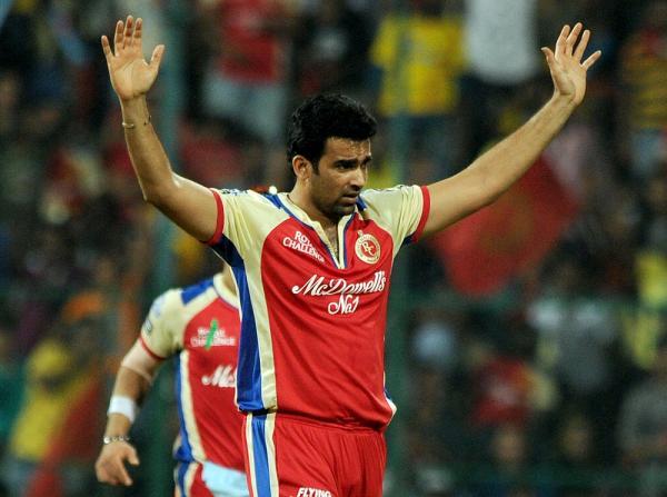इंडियन प्रीमियर लीग 2013: सबसे बेहतरीन गेंदबाजी औसत 12