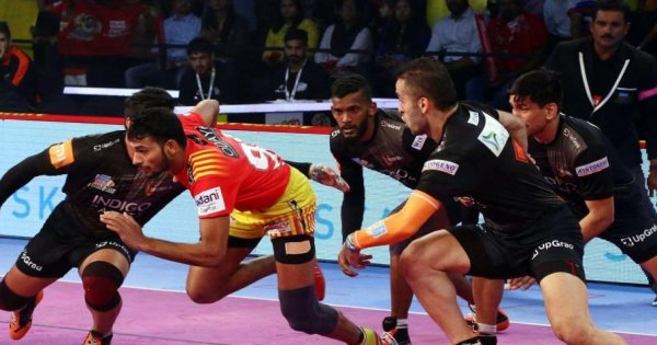 Pro Kabaddi League: Gujarat defeated U-Mumba by 39-35 in a tough match