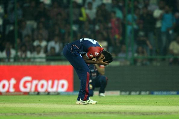 इंडियन प्रीमियर लीग 2012: पारी में सबसे महंगी गेंदबाजी 4