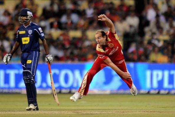 इंडियन प्रीमियर लीग 2010: पारी में सबसे बेहतरीन इकॉनमी रेट 1