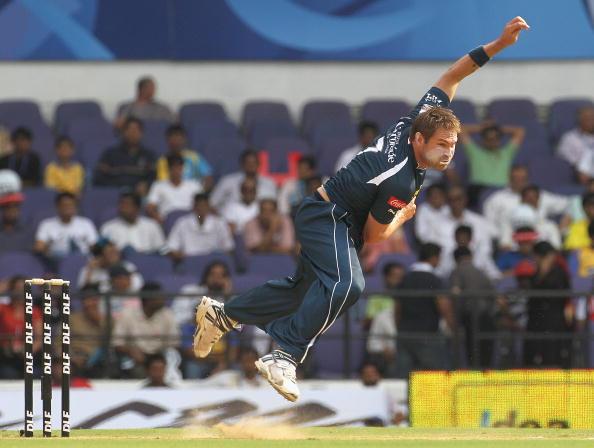 इंडियन प्रीमियर लीग 2010: सबसे बेहतरीन गेंदबाजी स्ट्राइक रेट 12