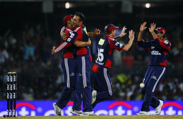इंडियन प्रीमियर लीग 2010: सबसे बेहतरीन  गेंदबाजी औसत 15
