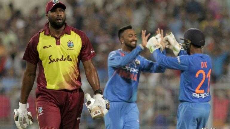 AUSvsIND: पहले टी-20 की 12 सदस्यी टीम देख सौरव गांगुली ने इस खिलाड़ी को टीम में शामिल करने की कही बात 5