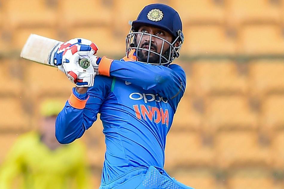 AUSvsIND: पहले टी-20 की 12 सदस्यी टीम देख सौरव गांगुली ने इस खिलाड़ी को टीम में शामिल करने की कही बात 3