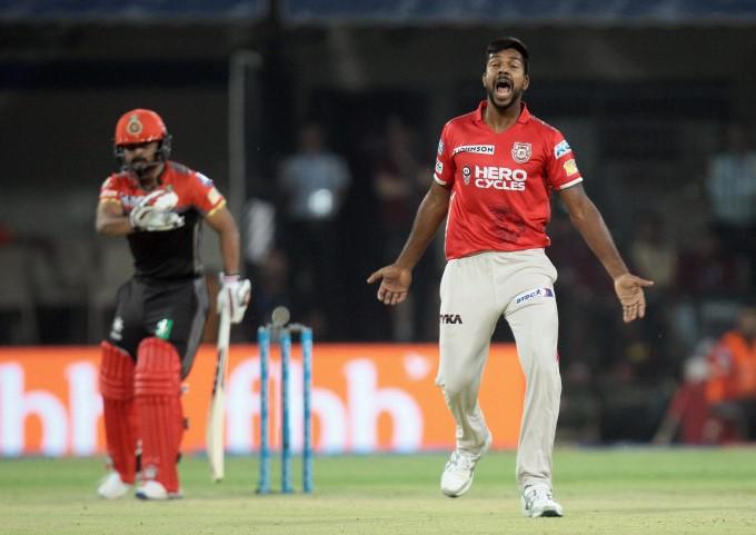 इंडियन प्रीमियर लीग 2017: पारी  में सबसे बेहतरीन इकॉनमी रेट 4