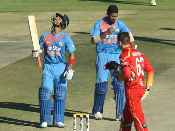 महेंद्र सिंह धोनी के साथ खेल चुके हैं ये 5 खिलाड़ी, शायद ही आप जानते हो... 1