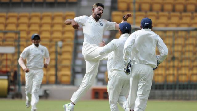 अनाधिकारिक टेस्ट: मोहम्मद सिराज के सामने बेबस नजर आये न्यूज़ीलैंड के बल्लेबाज, भारत ने पकड़ की मजबूत 3