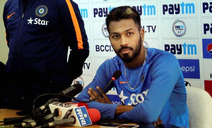 हार्दिक पांड्या ने धोनी, कोहली और रोहित को नजरअंदाज कर इन्हें दिया अपनी सफलता का पूरा-पूरा श्रेय 5