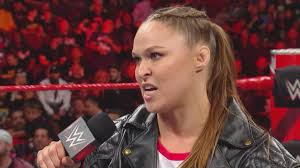 ऐसी पांच चीज़ें जो 24 दिसंबर की WWE रॉ लाइव इवेंट में होने वाली हैं 3
