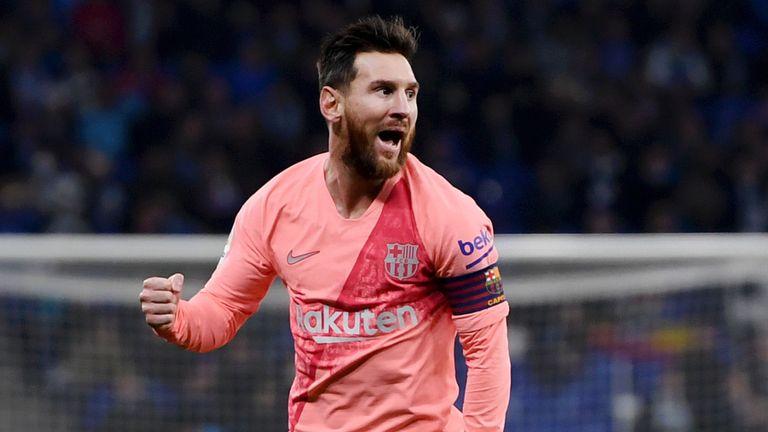 स्पेनिश लीग : बार्सिलोना ने एस्पेनयोल को 4-0 से हराया 5