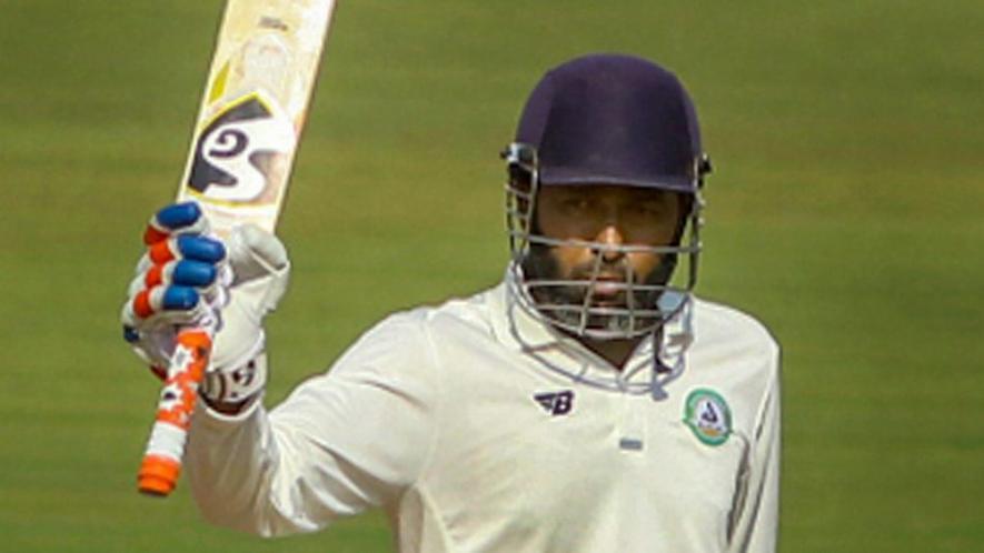 41 साल में भी नही थम रहा है इस भारतीय बल्लेबाज का बल्ला, जड़ा 55वां शतक 28