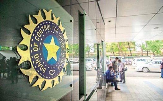 REPORTS : हार्दिक पांड्या पर दो मैच का बैन, केएल राहुल को सिर्फ चेतावनी 3