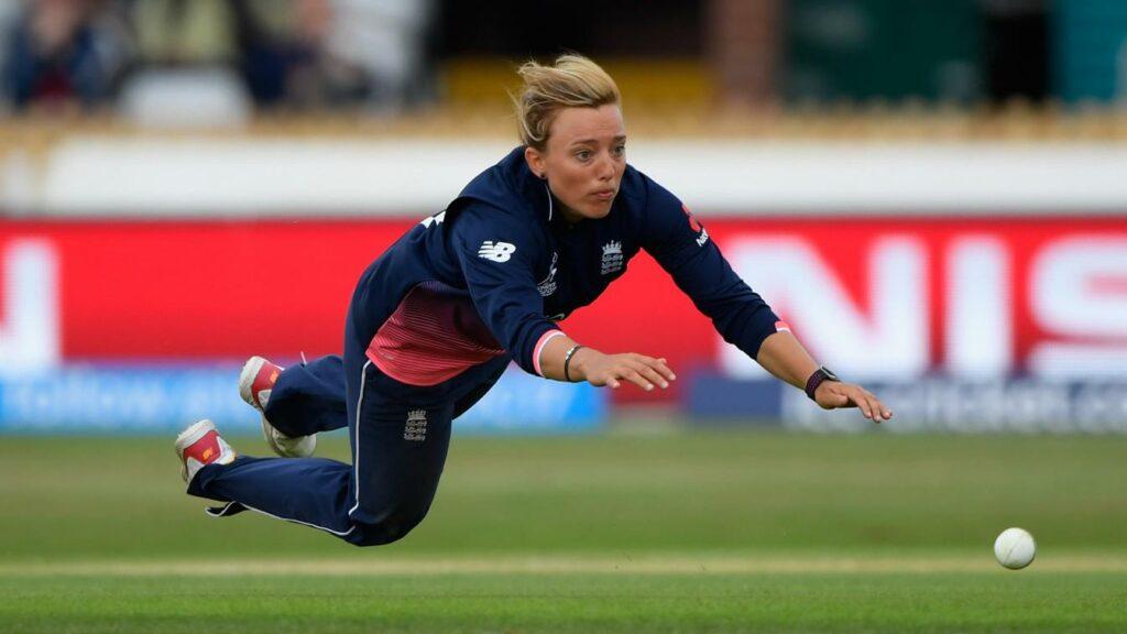 इंग्लैंड की महिला क्रिकेटर डेनिएल हेजेल ने इंटरनेशनल क्रिकेट से लिया संन्यास 1