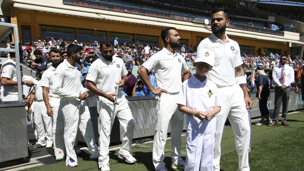 AUSvsIND : इस वजह से भारत और ऑस्ट्रेलिया के खिलाड़ी सिडनी टेस्ट में खेल रहे ब्लैक आर्मबैंड पहनकर 4