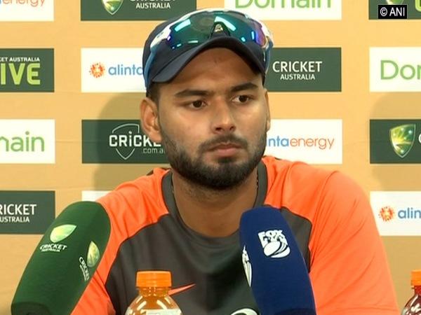 युवा बल्लेबाज ऋषभ पंत को है भारतीय टीम के लिए इतने सालों तक खेलने की उम्मीद 8