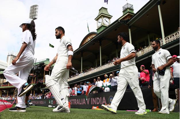 AUSvsIND : इस वजह से भारत और ऑस्ट्रेलिया के खिलाड़ी सिडनी टेस्ट में खेल रहे ब्लैक आर्मबैंड पहनकर 1