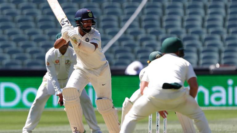 चेतेश्वर पुजारा सिडनी में भारत को जीताने के लिए कर रहे थे बल्लेबाजी और इधर मुंबई हॉस्पिटल में पिता लड़ रहे जिन्दगी की जंग 3