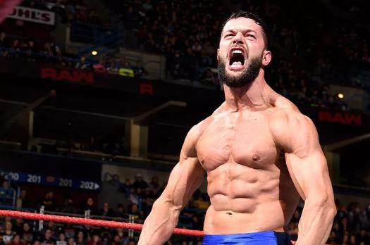 चौदह जनवरी की WWE रॉ लाइव इवेंट में इस रैसलर को कम्पनी देने जा रही है बड़ा तोहफा 5