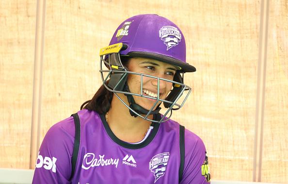 'स्मृति मंधाना' के तूफ़ान से कांपी एडिलेड स्ट्राइकर्स की टीम, जड़ दिए 25 गेंद में 52 रन