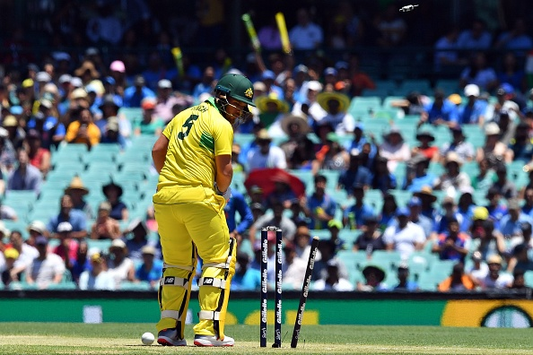 AUSvIND: 6.6 ओवर में भुवनेश्वर कुमार की इस गेंद पर चारों खाने चित हुए एरोन फिंच, कुछ इस तरह गवाई अपनी विकेट 3