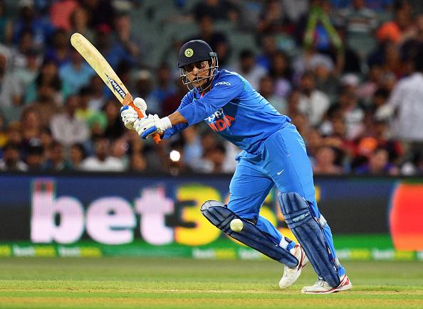 ऑस्ट्रेलिया में भारत के लिए मैच जीताऊ पारी खेलने के बाद, इस मामले में विराट कोहली से भी आगे निकले महेंद्र सिंह धोनी 2