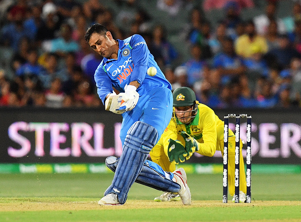 ऑस्ट्रेलिया में भारत के लिए मैच जीताऊ पारी खेलने के बाद, इस मामले में विराट कोहली से भी आगे निकले महेंद्र सिंह धोनी 1