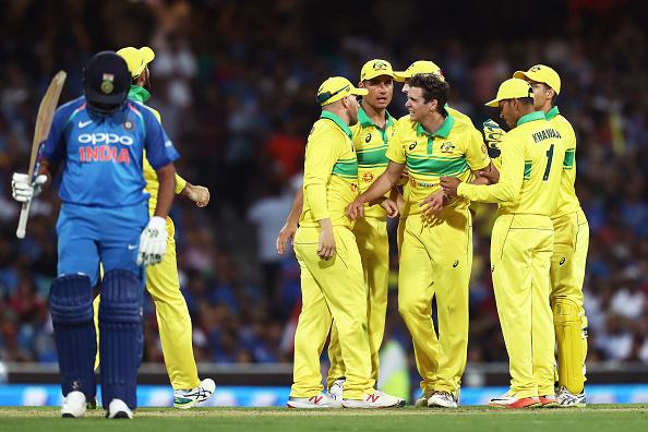 AUSvsIND, सिडनी वनडे: रोहित शर्मा की शतकीय पारी बेकार, ऑस्ट्रेलिया ने भारत को 34 रनों से दी मात 1