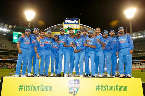 AUSvsIND: विराट कोहली ने बताया, क्यों नंबर 4 पर बल्लेबाजी करने आये महेंद्र सिंह धोनी 4