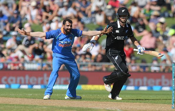 मैन ऑफ द मैच लेते हुए मोहम्मद शमी ने इस साथी खिलाड़ी को दिया अपनी सफलता का पूरा-पूरा श्रेय 2