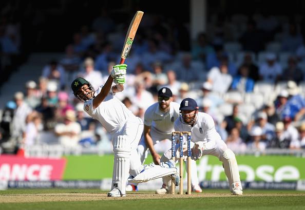 5 बल्लेबाज जिन्होंने वनडे क्रिकेट से ज्यादा टेस्ट मैचों में छक्के लगाये हैं, टॉप पर है यह दिग्गज 2