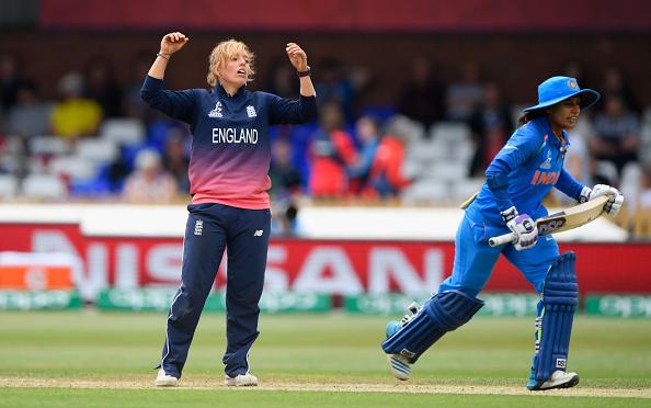 इंग्लैंड की महिला क्रिकेटर डेनिएल हेजेल ने इंटरनेशनल क्रिकेट से लिया संन्यास