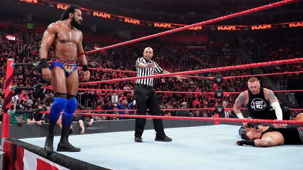 WWE रॉ रिजल्ट्स: 31 दिसंबर, 2018, जिंदर महल को काफ़ी समय के बाद नसीब हुई जीत 17