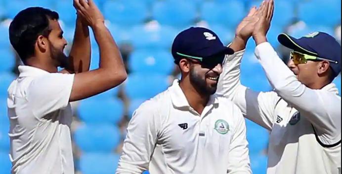 उमेश यादव के बाद केरल की घातक गेंदबाजी, दिन का खेल समाप्त होने तक विदर्भ के पांच विकेट गिरें 3
