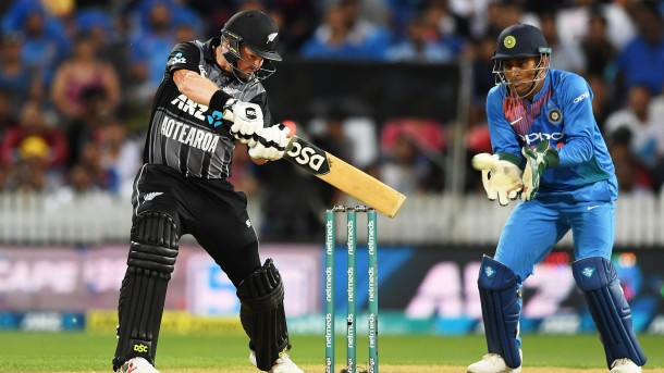 Hamilton T20: New Zealand target India 213 runs