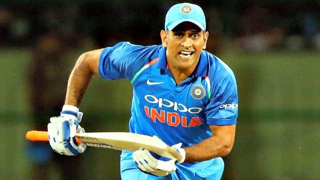 India vs Australia- रांची वनडे मैच से धोनी को आराम देने की सलाह पर घिरे संजय मांजरेकर, फैंस ने किया जमकर ट्रोल 1