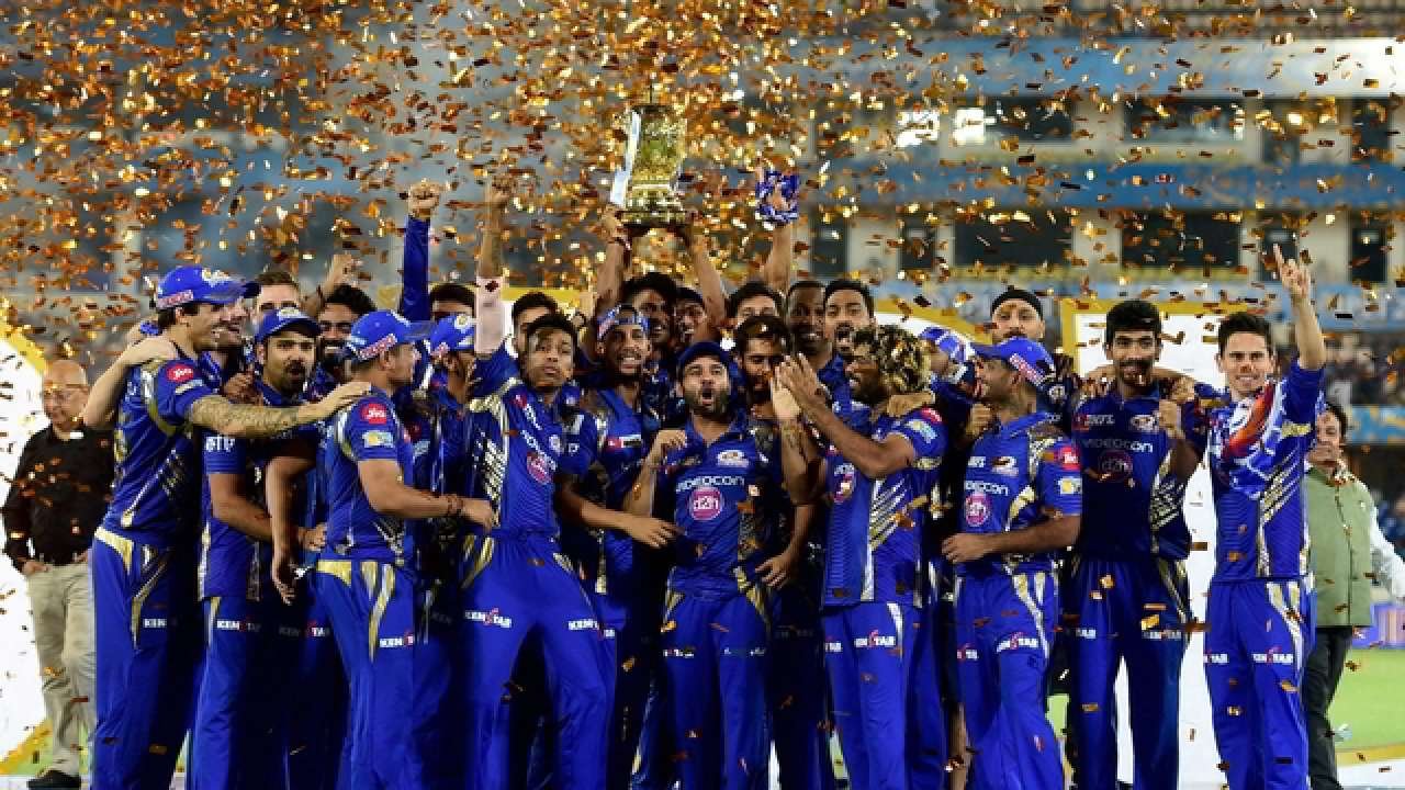 आईपीएल 2019: तीन बार की विजेता मुंबई इंडियंस ने नई किट लॉन्च की, देखें मुंबई की ये नई जर्सी 1