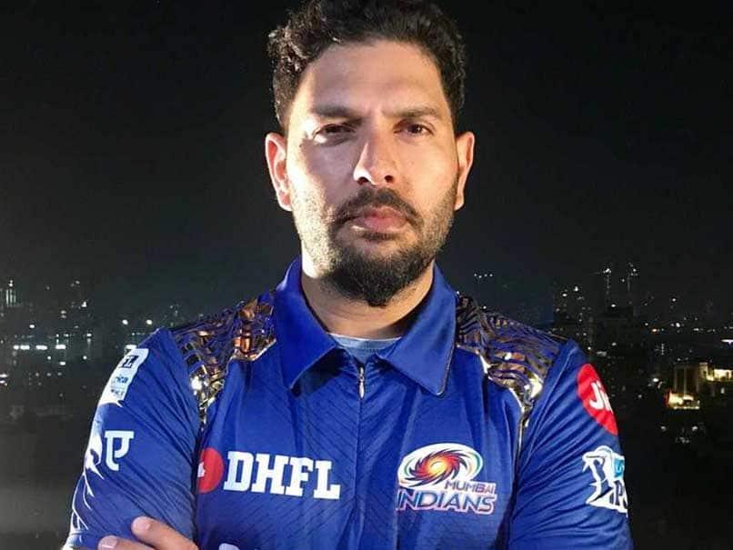 वीडियो : युवराज सिंह ने आईपीएल की पहली प्रैक्टिस बॉल पर लगाया छक्का, वीडियो हो रहा वायरल
