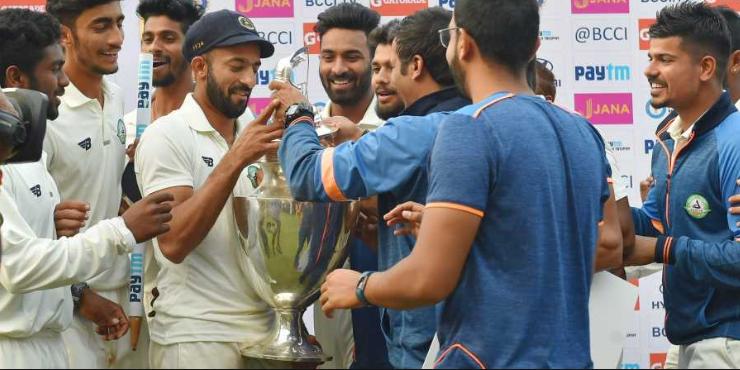 रणजी ट्रॉफी फाइनल : सौराष्ट्र की टीम को 78 रन से हरा विदर्भ बना लगातार दूसरी बार रणजी चैंपियन 1