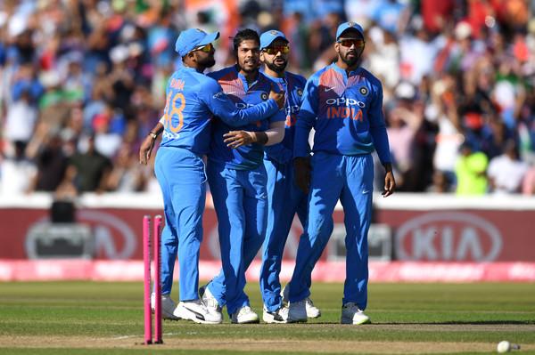INDIA vs AUSTRALIA: ऑस्ट्रेलिया के खिलाफ पहले टी-20 में ये हो सकती है 11 सदस्यी भारतीय टीम, इस खिलाड़ी के पास डेब्यू का मौका 12
