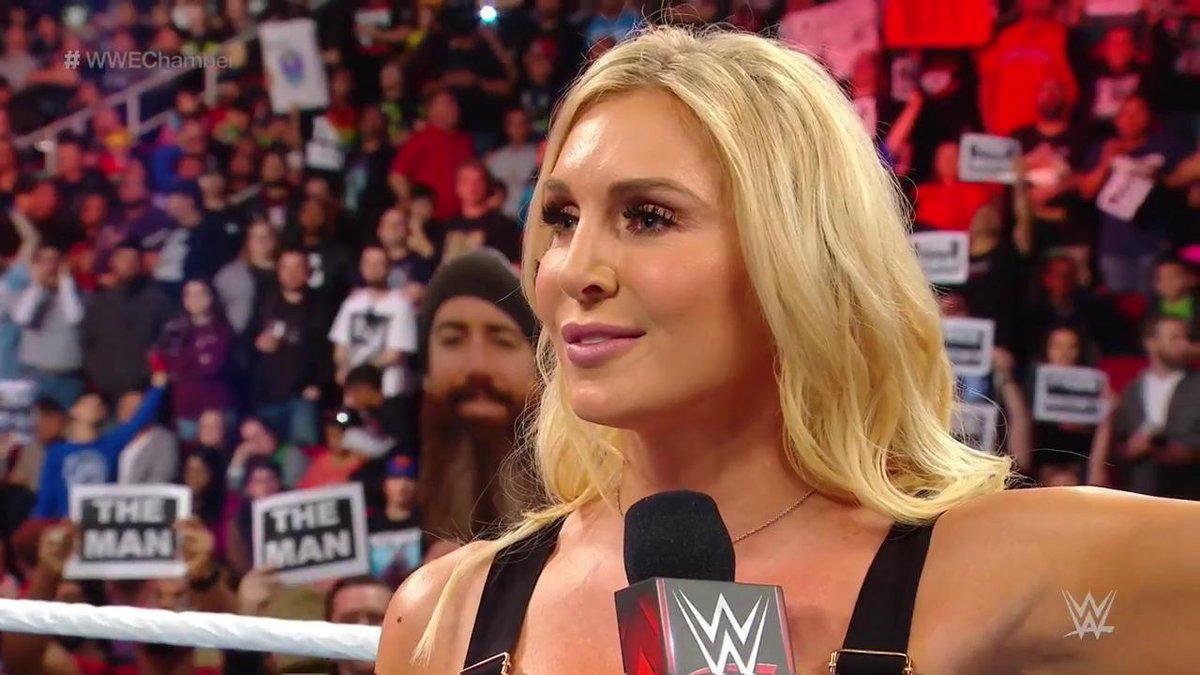 WWE 'क्वीन' शार्लेट फ्लेयर ने किया खुलासा, इस सुपरस्टार को कर रही हैं डेट 15