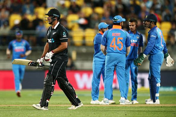 India vs Newzealand- वीडियो: पारी के 10वें ओवर में कोलिन मुनरो करने गए कुछ ऐसा कि उड़ गई गिल्लियां, देखे वीडियो 1