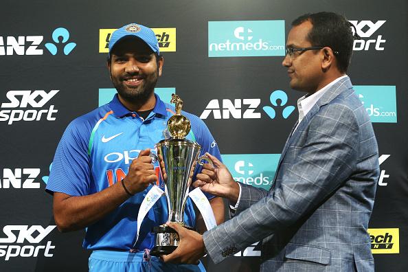 चहल टीवी पर रोहित शर्मा ने रायडू और शंकर की तारीफ की, तो सरेआम बनाया इस खिलाड़ी का मजाक 2