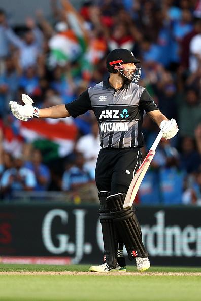 वीडियो : विकेट के लिए परेशान भारतीय टीम ने आज मैदान पर बिल्कुल नहीं दिखाया खेल भावना, किया कुछ ऐसा 2