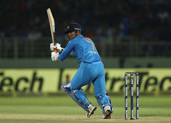 टी 20 में 162 रनों की धुआंधार पारी खेलने वाले हज़रतुल्लाह ज़ज़ाई हैं महेंद्र सिंह धोनी के प्रशंसक 3
