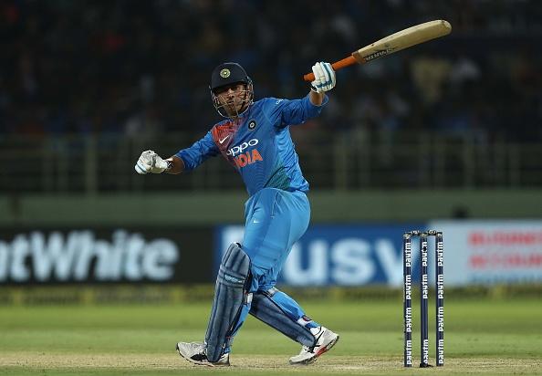 IND vs AUS : STATS: पहले टी-20 में बने कुल 9 रिकॉर्ड, धोनी के नाम जुड़ा ये शर्मनाक रिकॉर्ड 1