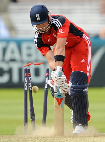 'यॉर्कर' क्या है? यह बल्लेबाजों के लिए खेलना क्यों है मुश्किल? जाने सब कुछ 12