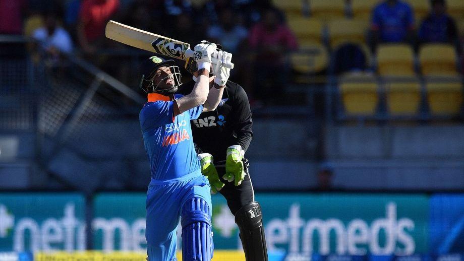 India vs Newzealand- वीडियो: पारी के 10वें ओवर में कोलिन मुनरो करने गए कुछ ऐसा कि उड़ गई गिल्लियां, देखे वीडियो 2