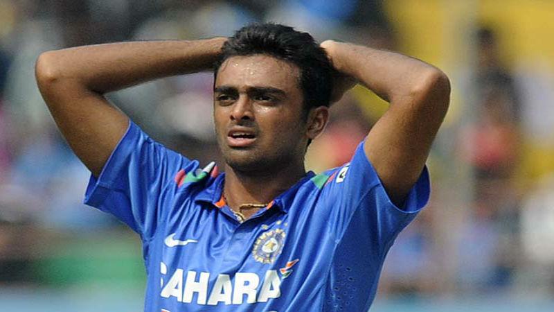 भारतीय क्रिकेट टीम के वो 3 खिलाड़ी जिनको वनडे में कभी बल्लेबाजी करने का नहीं मिला मौका 13